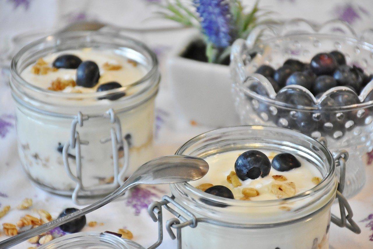 yogurt, berries, blueberries