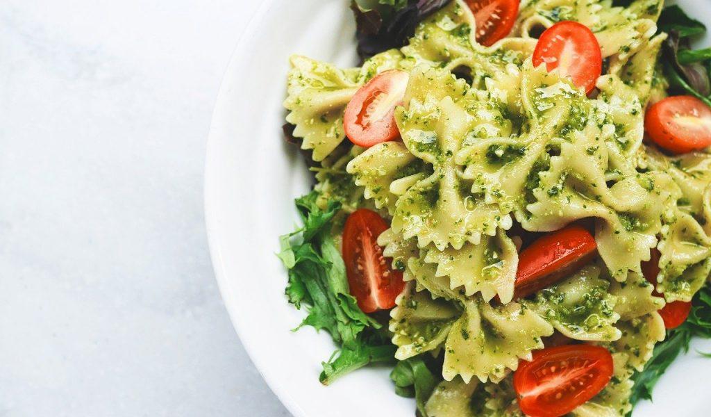 close-up, pasta, pesto